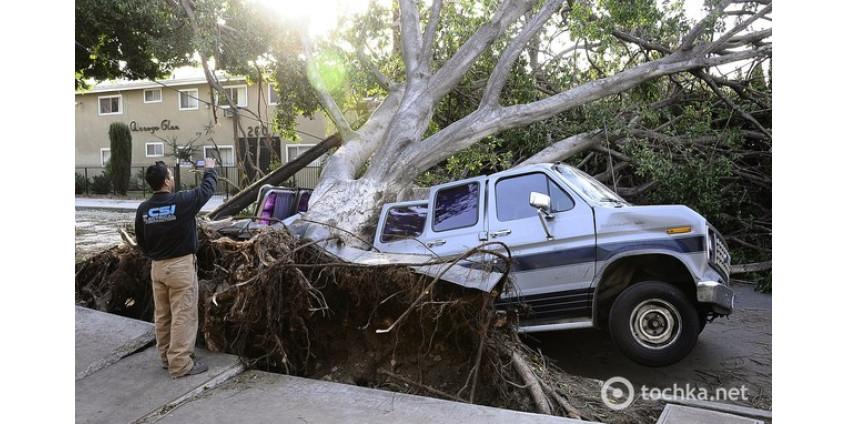 Калифорния пострадала от сильнейшего урагана