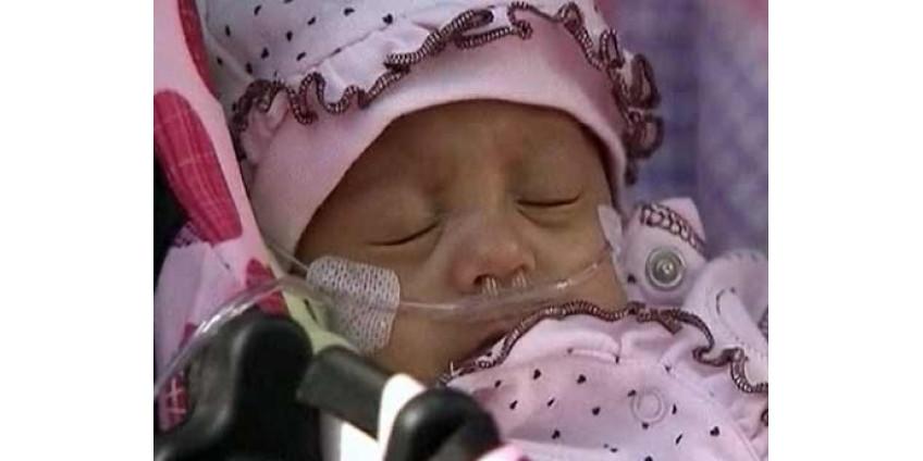 Один из самых маленьких малышей в мире выписан из больницы