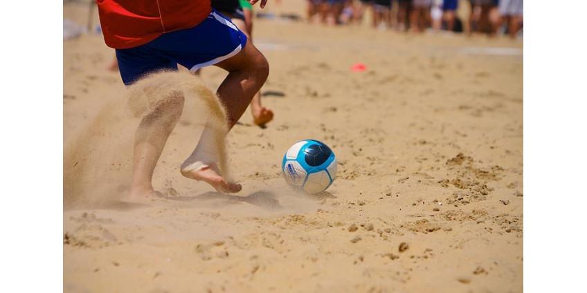 На пляжах Лос-Анджелеса запретили футбол