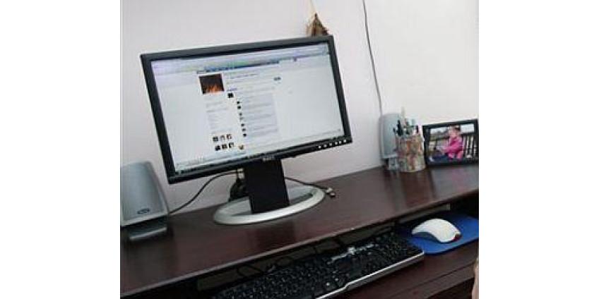 Сеть Facebook помогает искать детей