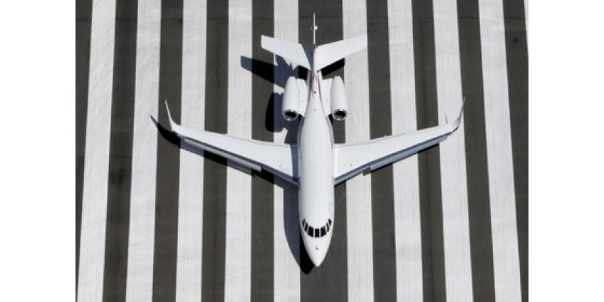 В Финиксе пассажир выпрыгнул из самолета на взлетно-посадочную полосу