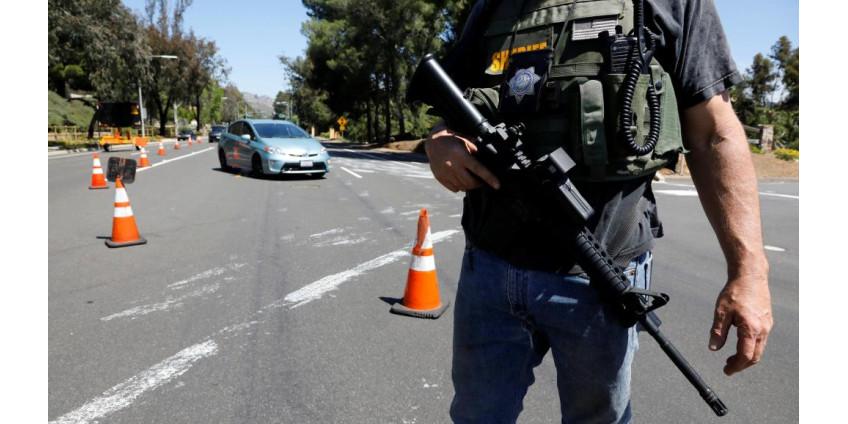 В синагоге неподалеку от Сан-Диего открыли стрельбу