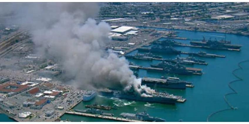 Корабль ВМС США стоимостью $760 млн продолжает гореть в порту Сан-Диего