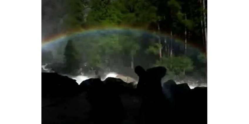 «Лунная радуга» поразила калифорнийцев