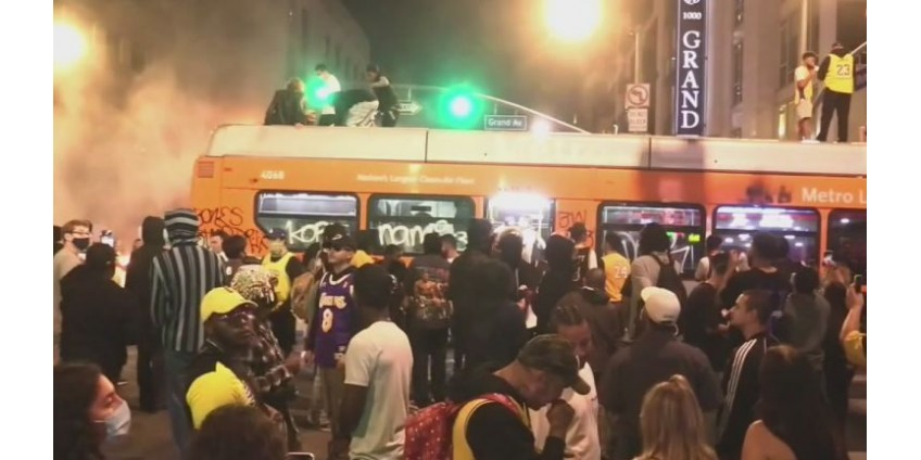 По меньшей мере 76 человек были арестованы в центре Лос-Анджелеса в воскресенье вечером