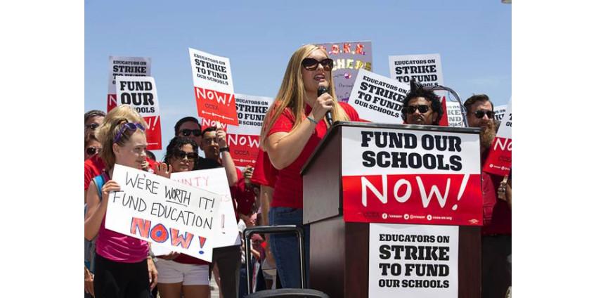 Учителя округа Кларк в Неваде грозят крупной забастовкой