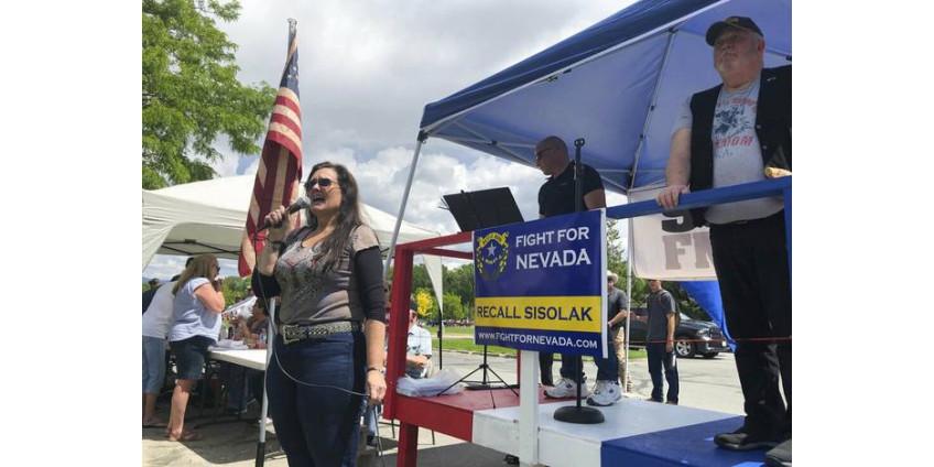 Инициативная группа из Невады собирается отозвать действующего губернатора