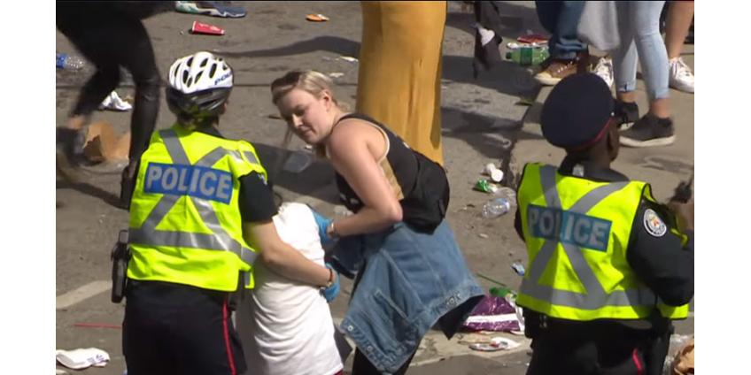 В Торонто четыре человека пострадали во время стрельбы на параде в честь победителей чемпионата НБА