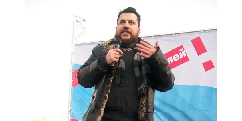 Соратник Навального Леонид Волков вышел на свободу после месячного ареста