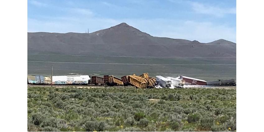В Неваде с рельсов сошел поезд с боеприпасами