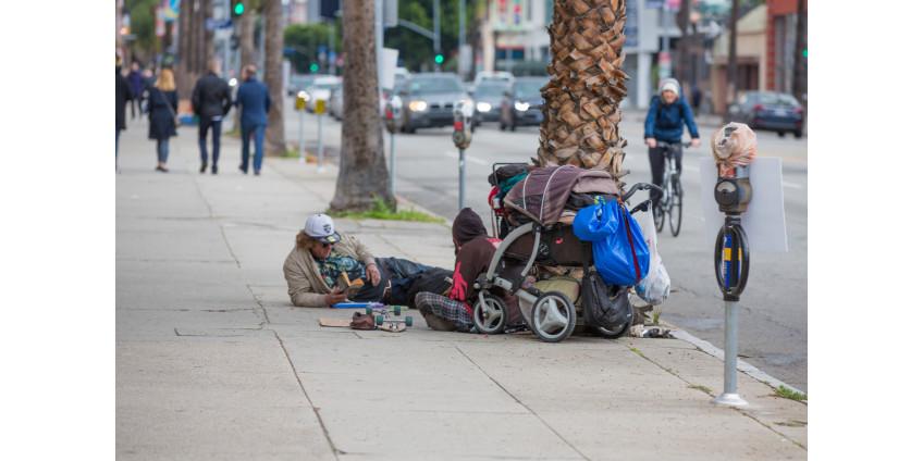 Жители Лос-Анджелеса начали собирать подписи за отставку Эрика Гарсетти из-за роста количества бездомных
