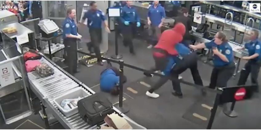 Парень устроил драку с сотрудниками аэропорта в Финиксе