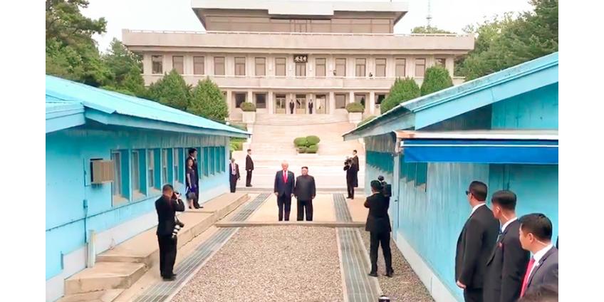 Президенты США, Южной Кореи и вождь КНДР впервые провели встречу в демилитаризованной зоне в Пханмунджоме