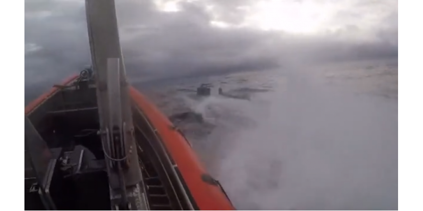 У берегов рядом с Сан-Диего произошло эффектное задержание субмарины с 17 тоннами наркотиков