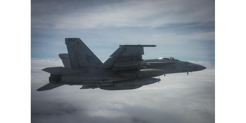 В Калифорнии разбился истребитель, пилот погиб
