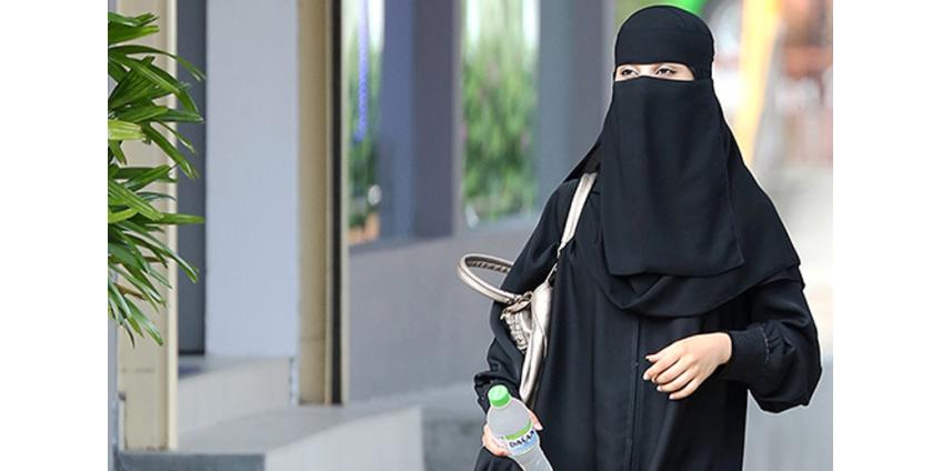 Саудовским женщинам позволили выезжать за границу и становиться опекунами своих детей без разрешения мужа или отца
