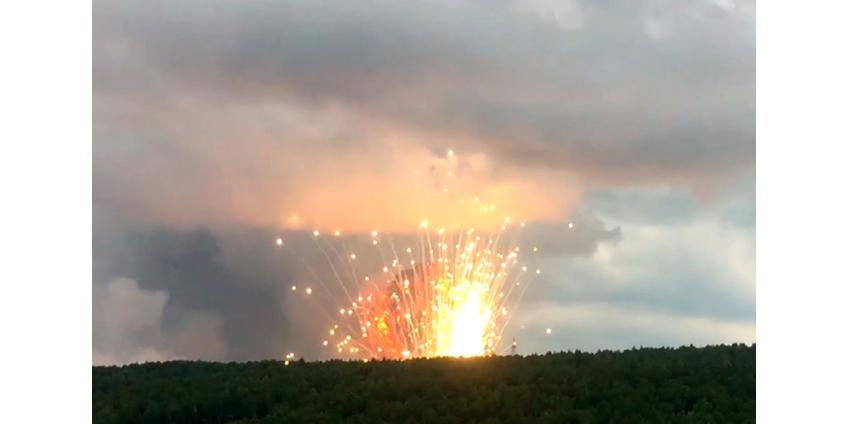 В Красноярском крае на территории воинской части произошли взрывы и пожар