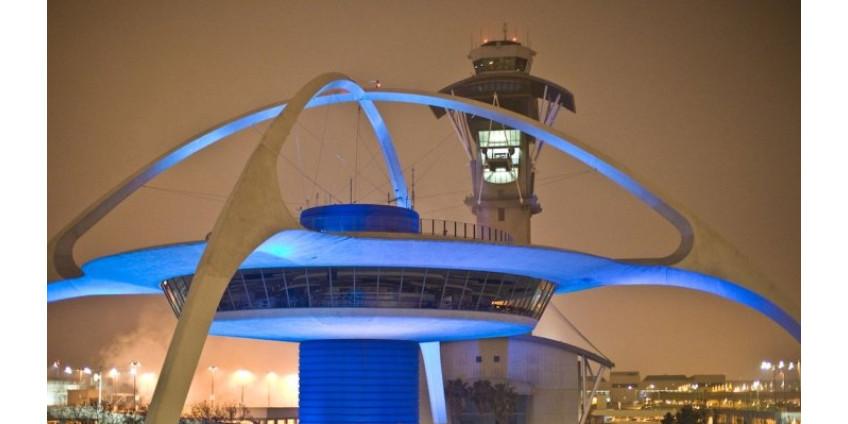 В аэропорту Лос-Анджелеса вышла из строя система пограничного контроля