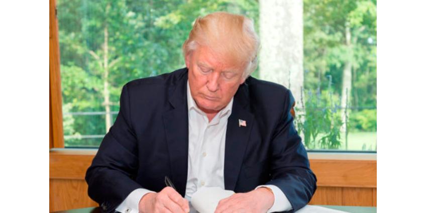США вводят новые ужесточения для иммигрантов: без медстраховки или денег на нее в страну не пустят