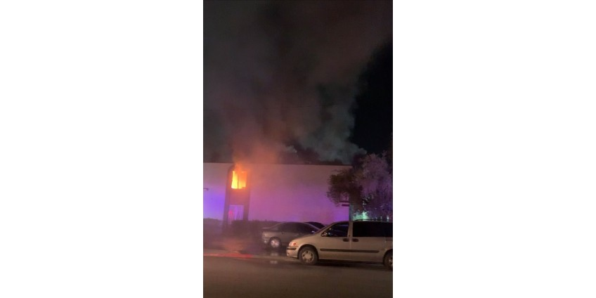 19 человек пострадали в результате пожара в квартире в центре Лас-Вегаса