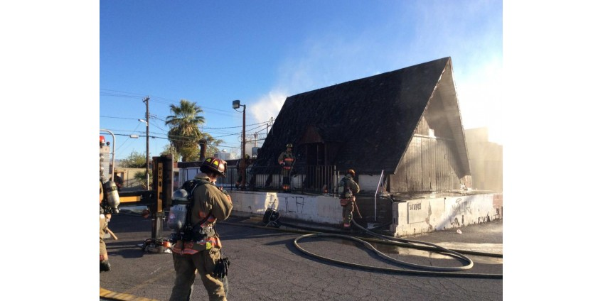 В центре Лас-Вегаса пожар повредил пустой ресторан