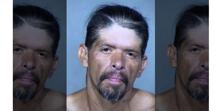 В Финиксе задержан мужчина, пытавшийся зарезать двух женщин
