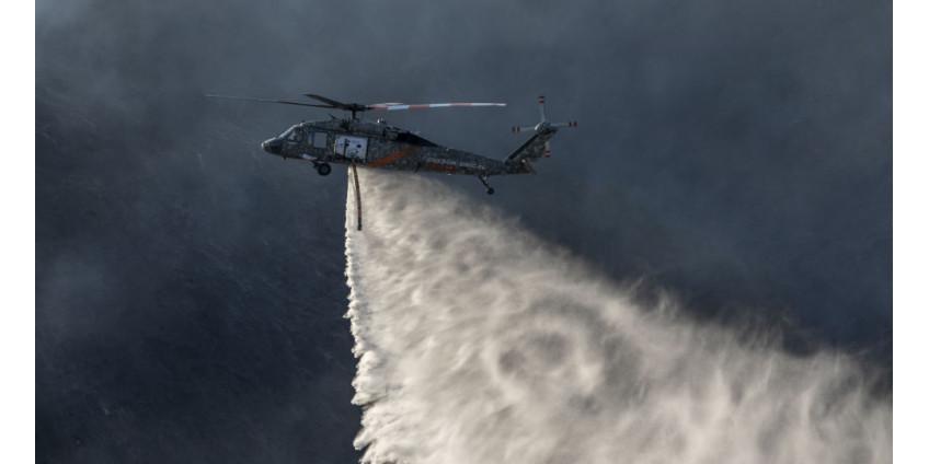В Калифорнии из-за пожаров сохраняется красный уровень опасности