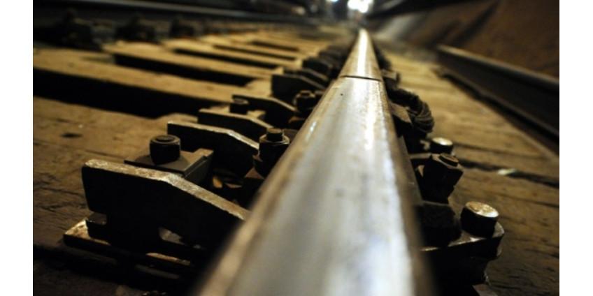 В Калифорнии мужчина чудом спасся из-под колес поезда метро