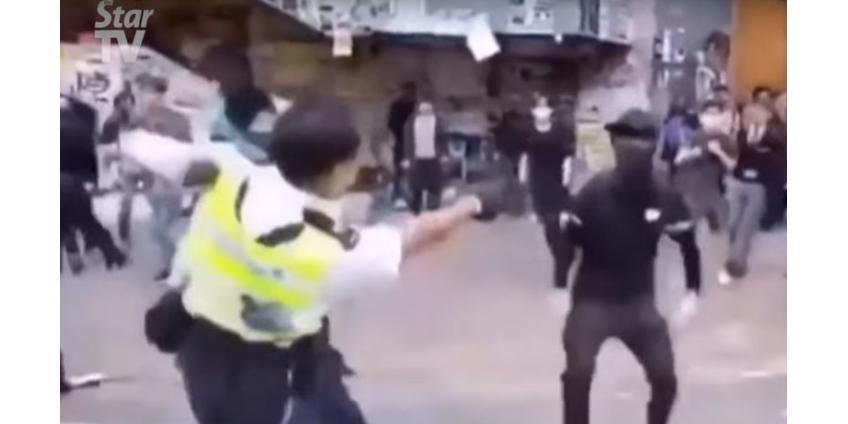 Полиция Гонконга применила огнестрельное оружие против демонстрантов