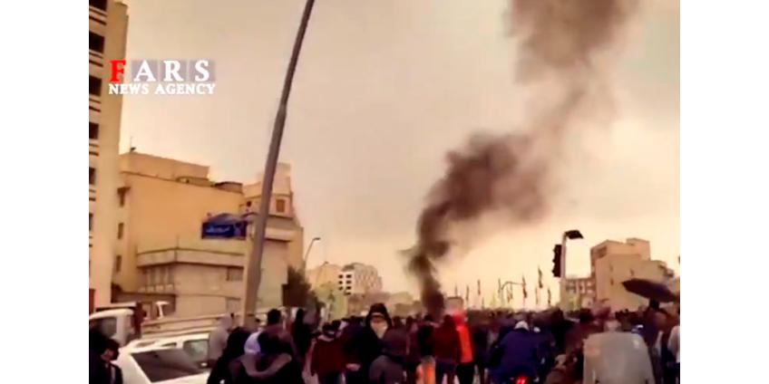 В протестах в Иране погибли больше сотни человек