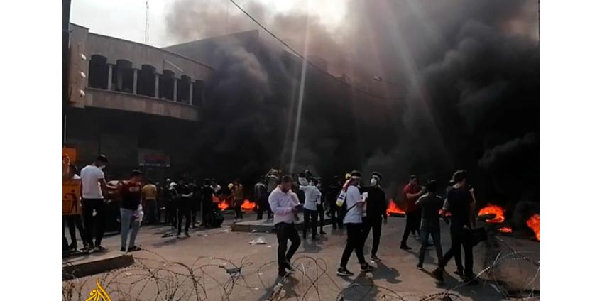 В Багдаде семь человек погибли в столкновениях с полицией, применившей оружие и слезоточивый газ