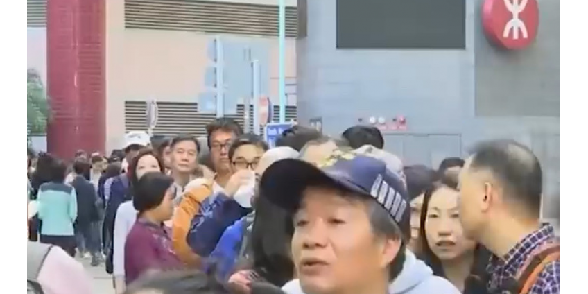 Выборы в охваченном протестами Гонконге завершились победой оппозиции