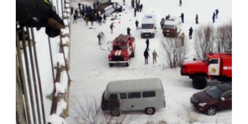 В Забайкалье автобус с пассажирами рухнул с моста на лед в реку: минимум 20 погибших