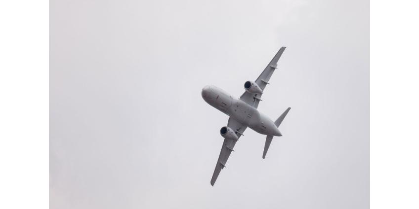 """Новый инцидент с SSJ-100: """"суперджет"""" вынужденно сел во Внуково с 43 пассажирами - упало давление в гидросистеме"""