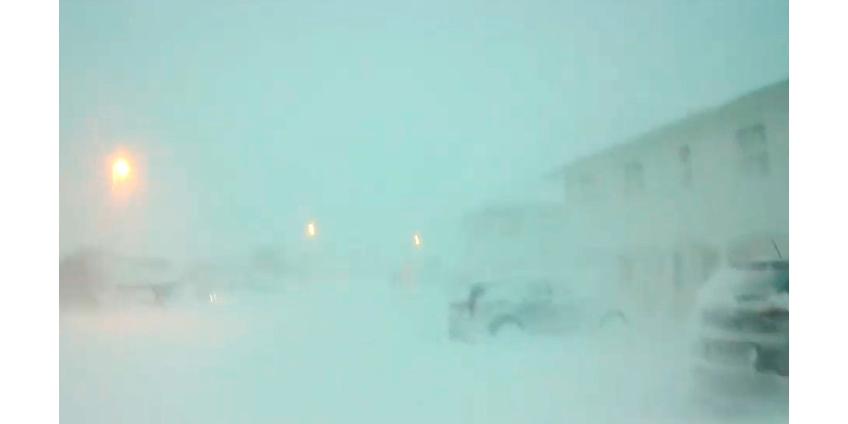 В Исландии намело снега по крыши домов