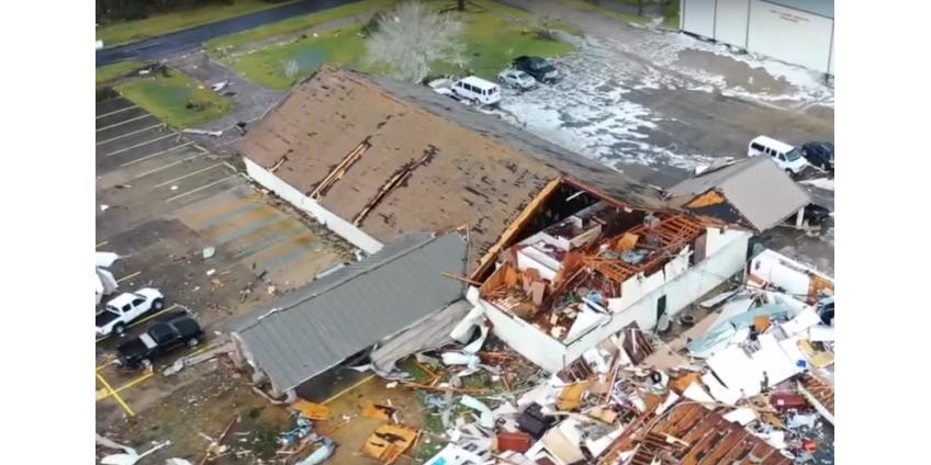 На юг США обрушились торнадо: разрушены десятки домов, погибли три человека