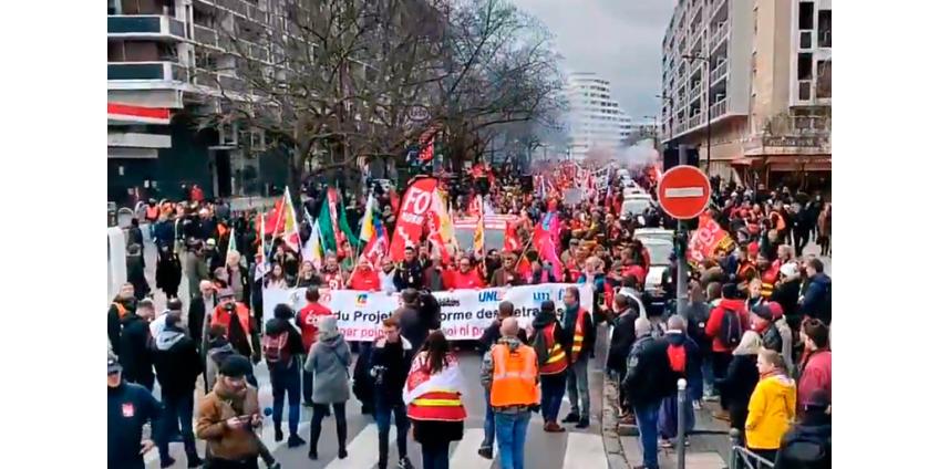 Во Франции участие в протестах против пенсионной реформы приняли 615 тыс. человек