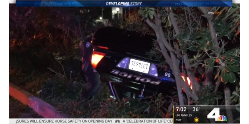Полицейская погоня в Лос-Анджелесе: автомобиль полиции перевернулся, подозреваемому удалось скрыться
