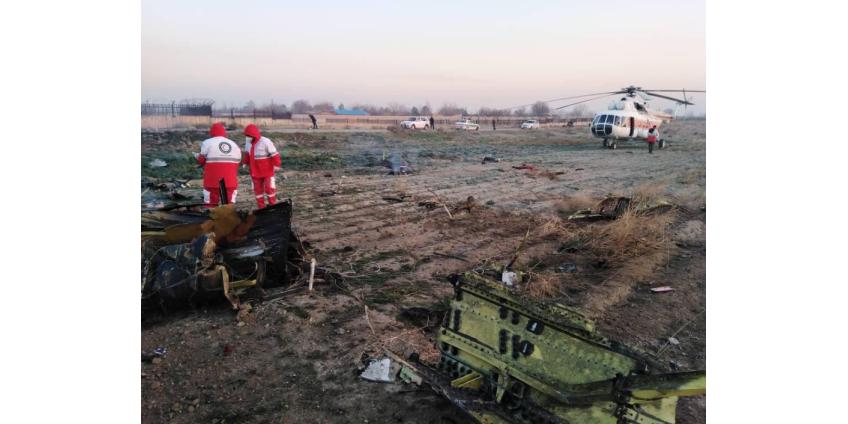 Украинский пассажирский Boeing рухнул в аэропорту Ирана после взлета: 176 человек погибли