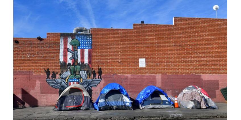 Губернатор Гэвин Ньюсом рассказал о своих планах помощи бездомным