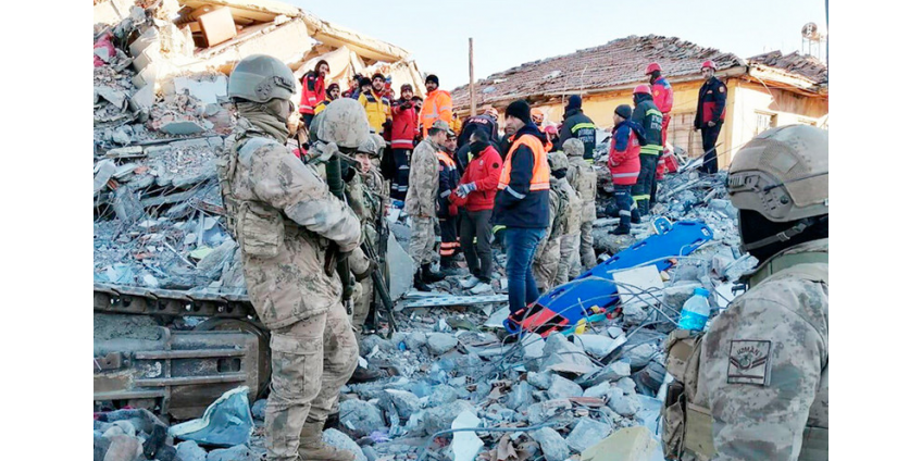 Мощное землетрясение на востоке Турции унесло жизни 22 человек, больше тысячи пострадали