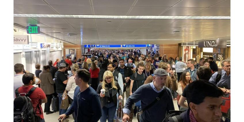 В аэропорту Финикса эвакуировали несколько сотен человек