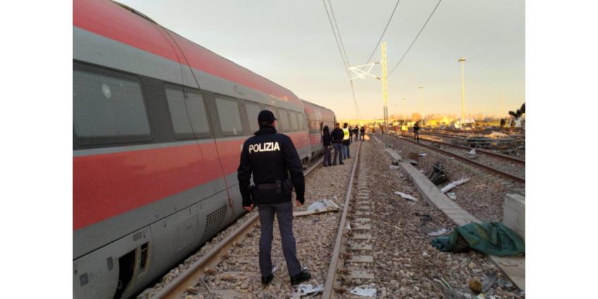 В Италии сошел с рельсов скоростной поезд: два человека погибли, около 30 пострадали