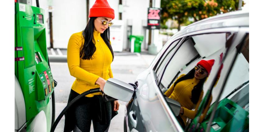 В округе Лос-Анджелес продолжает падать цена на топливо