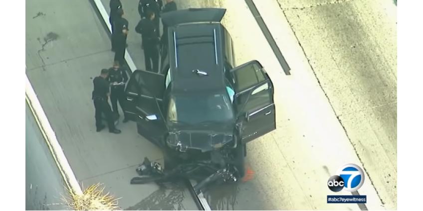 В пригороде Лос-Анджелеса мужчина угнал катафалк и устроил лихой заезд