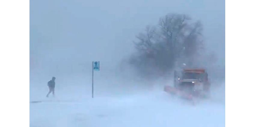 Снегопады в США: удивительная полоса снега в Канзасе, метели в штате Нью-Йорк