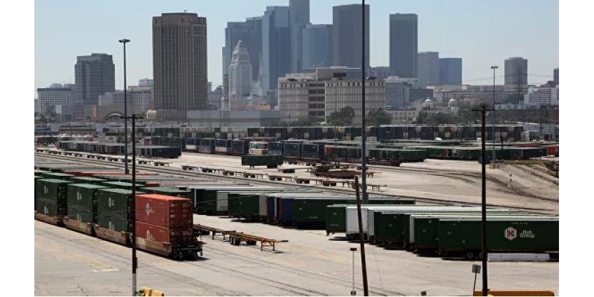 В Лос-Анджелес прибудет госпитальное судно ВМС США