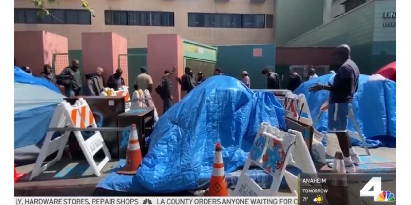 Большинство бездомных Лос-Анджелеса остаются на улицах во время коронавирусного кризиса