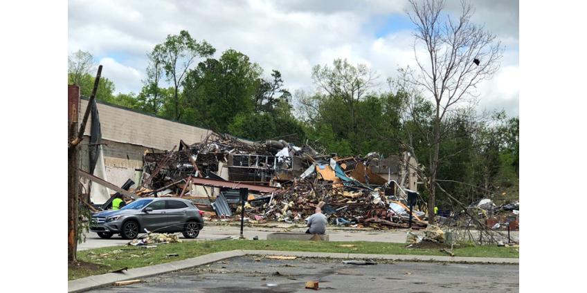 Жертвами штормов и торнадо в южной половине США стали 32 человека