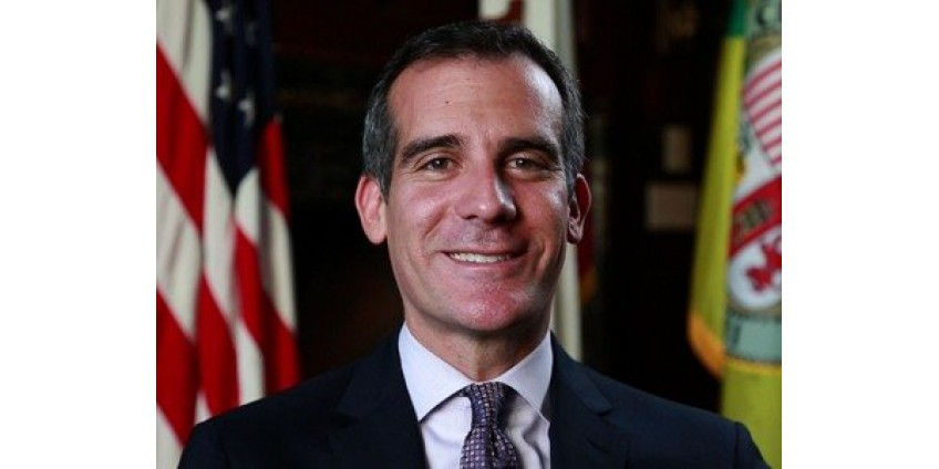 Мэр Лос-Анджелеса пообещал помощь малоимущим семьям